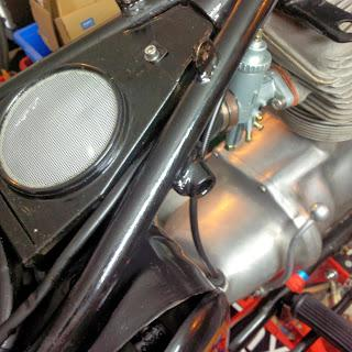 Refurbished original air box cover and new carburettor